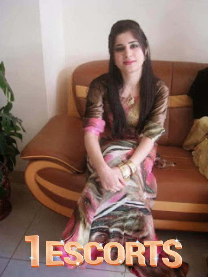 Anushka Sexy Call Girls Service in Lucknow at Your Home Hotel Service Full Enjoy -4