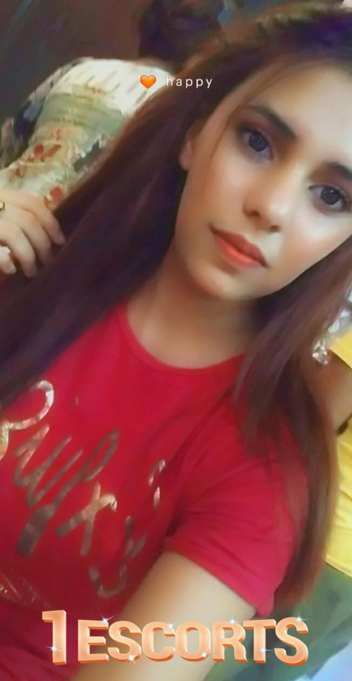 Young Indian Model Hotel Escorts in Jumeirah -2